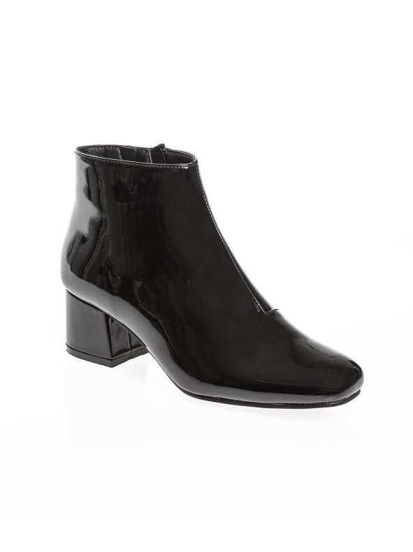 Women's booties  with heel lined in faux patent leather
