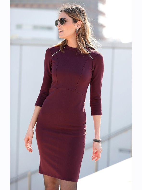 Women's slim fit dress with zip details in the shoulders