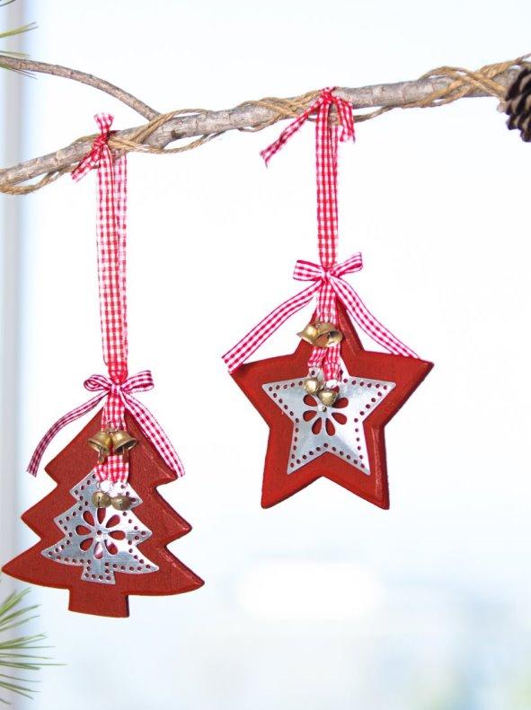 Set 2 adornos navideños de madera con tira para colgar