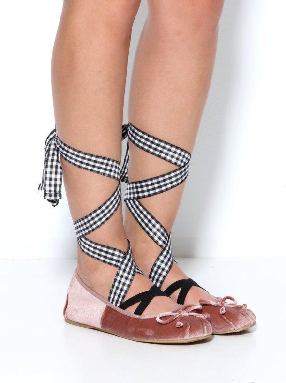 Zapatos manoletinas de terciopelo con cintas extraíbles