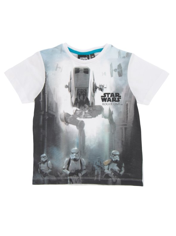 The child's t-shirt stamped Star ars in the front STAR WARS