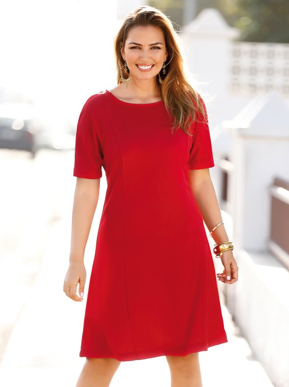 Women's dress with short raglan sleeves and round neck