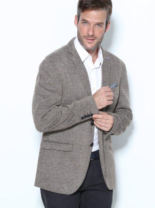 Chaqueta americana de hombre tipo tweed con pañuelo simulado SELECTED