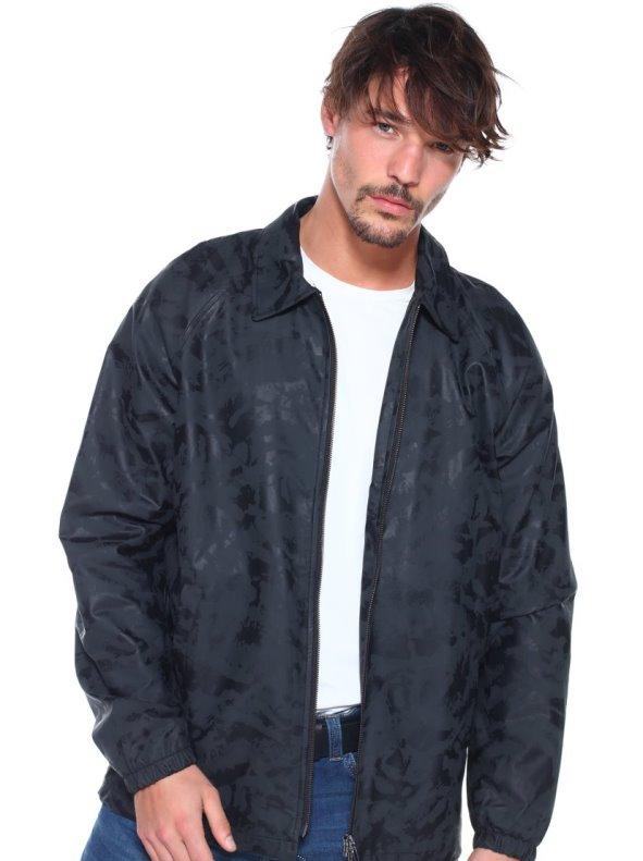 Crashed camouflage parka type jacket