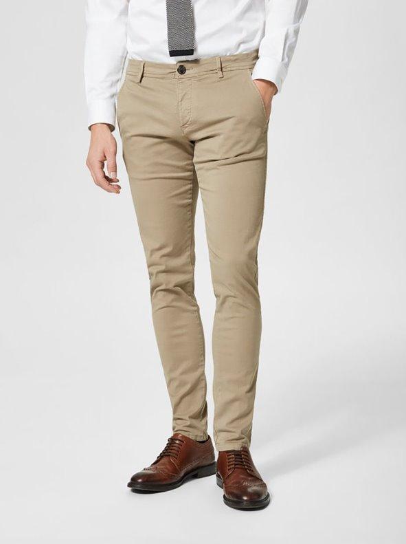 Pantalón largo tipo chino de hombre en cómodo twill Largo 32 SELECTED