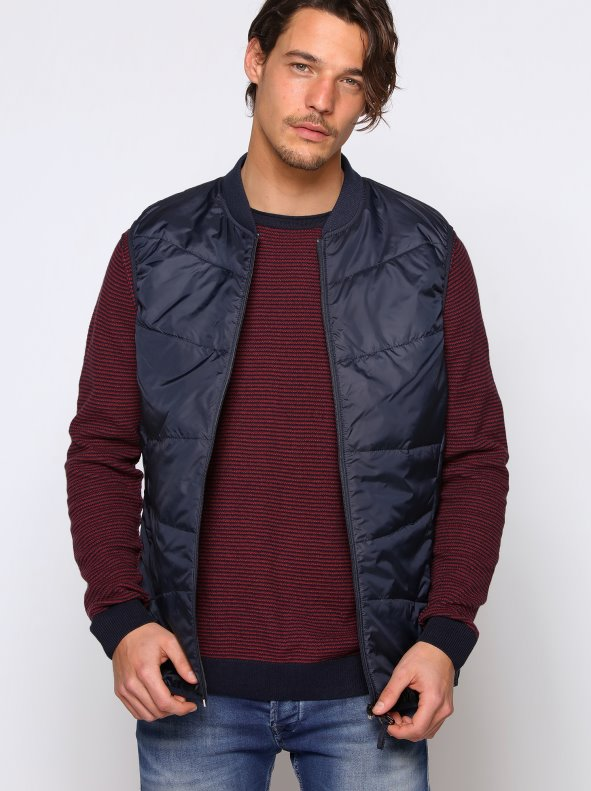Chaleco acolchado cuello mao  canalé ONLY & SONS