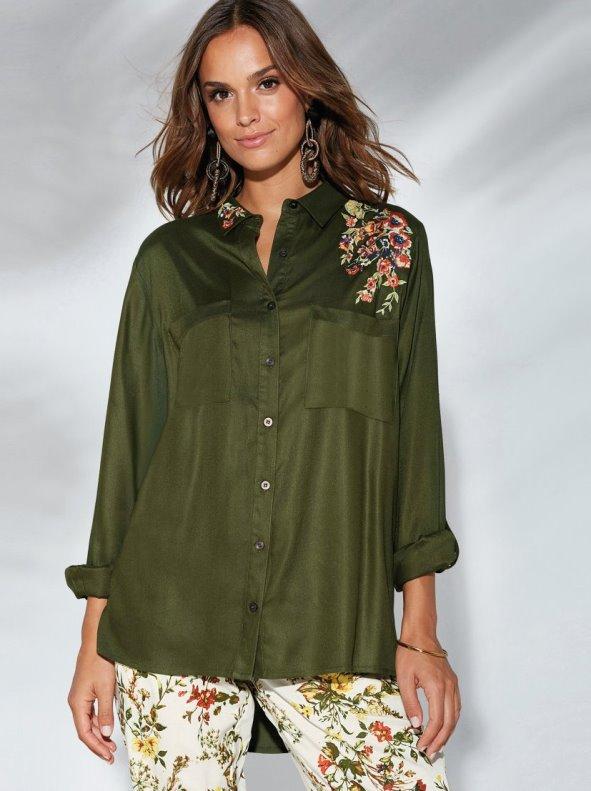 Camisa manga regulable con bordado floral