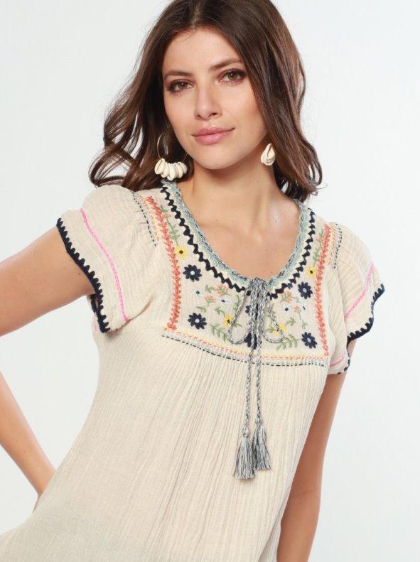 Blusa bordada con detalles de crochet beige M
