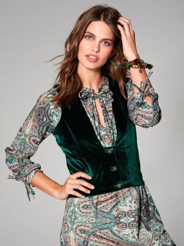 Chaleco mujer de suave terciopelo con pinzas y botones