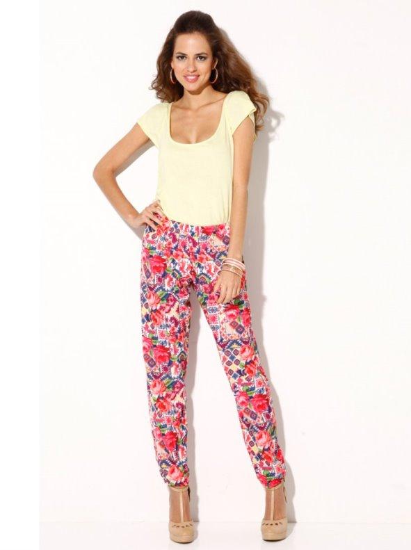 Pantalón largo mujer floral puños en el bajo TREND CAPSULE BY VENCA
