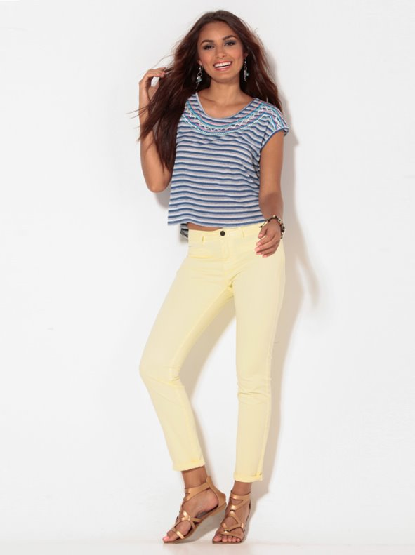 Pantalón mujer amarillo tejido elástico con pinzas