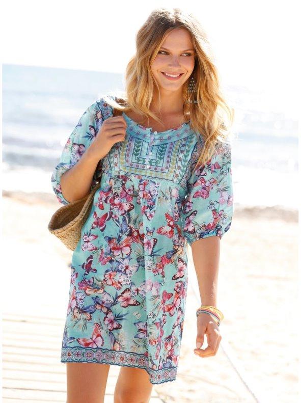 Vestido túnica estampado con mariposas y pechera a contraste