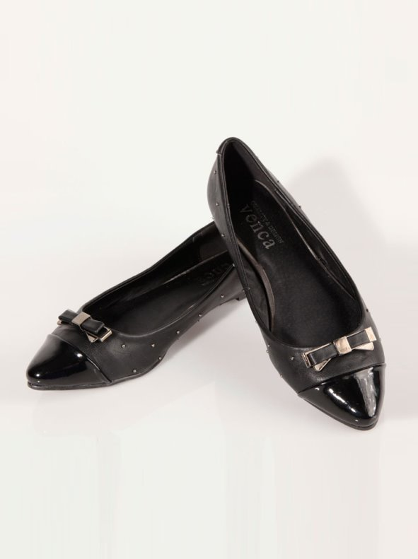 Zapatos bailarinas puntera de charol símil piel VENCA