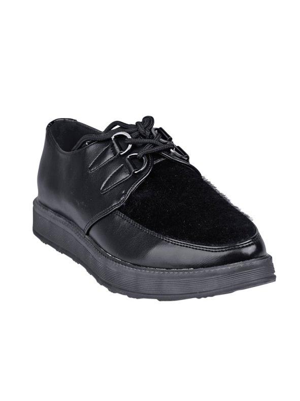 Zapatos planos con piel de potro y plataforma cerrados por cordones