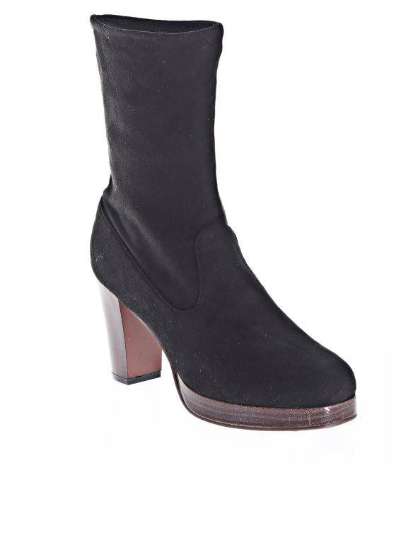 Women's low leg boots in soft suede